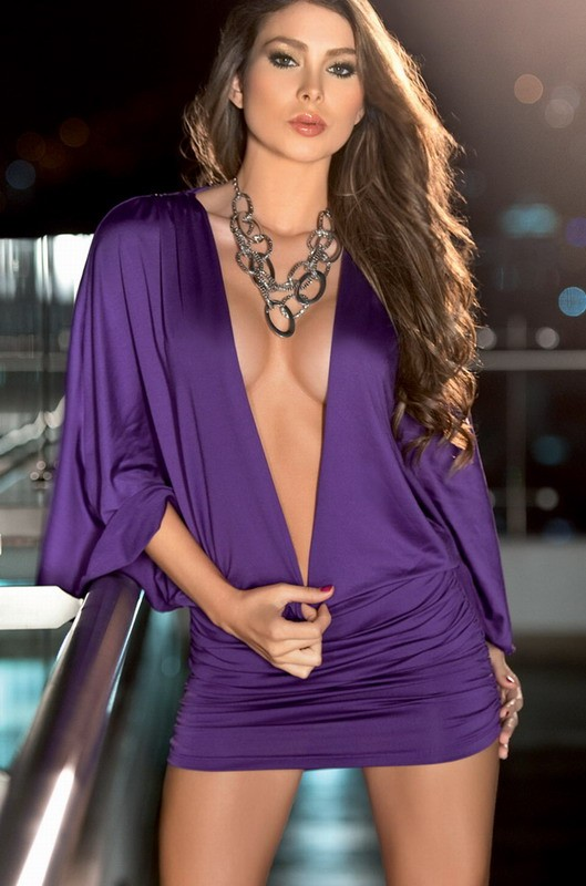 Low Cut Billow Purple Club Dresses